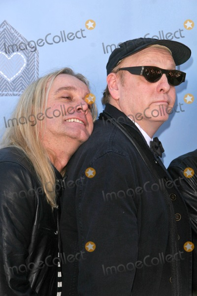 Robin Zander Photo - Robin Zander and Rick Nielsen at the John Varvatos 6th Annual Stewart House Benefit Presented by Converse John Varvatos Boutique Beverly Hills CA 03-09-08