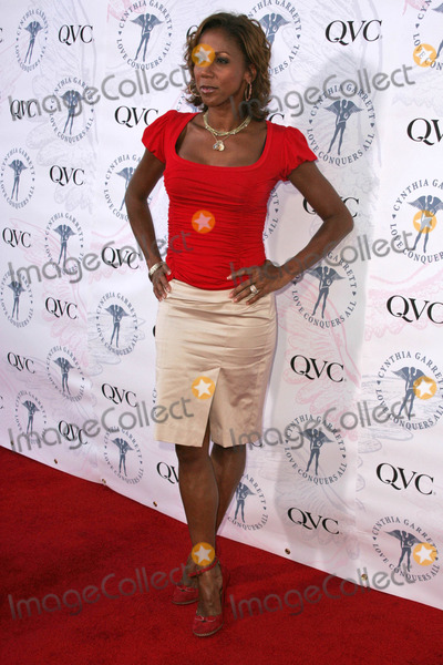 Cynthia Garrett Photo - Holly Robinson Peeteat QVCs debut of Cynthia Garretts Love Conquers All Jewelry Collection The Hollywood Roosevelt Hotel Hollywood CA 08-22-06