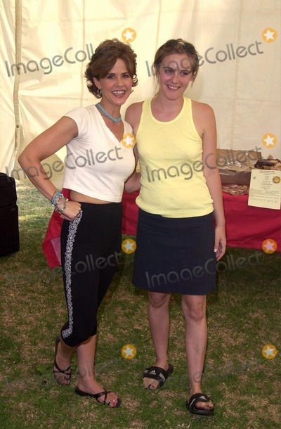 Linda Blair Photo -  Linda Blair and Alicia Silverstone at Worldfest LA to help promote Veganism Animal Rights and other causes Van Nuys 07-30-00