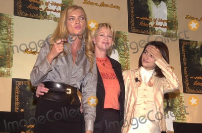 Melanie Griffith Photo - Esther Canadas Melanie Griffith and Penelope Cruz at the Sabera Foundation Press Conference helping children and wives in India who have been abandoned CAA Beverly Hills CA 10-10-02