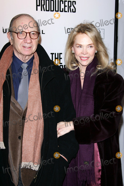 Elaine Joyce Photo - Neil Simon and Elaine Joyceat the premiere of The Producers Ziefeld Theatre New York NY 12-4-05