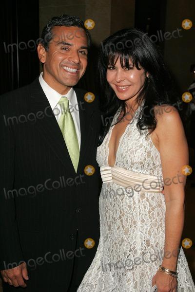 Antonio Villaraigosa Photo - Antonio Villaraigosa and Maria Conchita Alonsoat the 2005 Nosotros Golden Eagle Awards Show and Banquet Beverly Hilton Hotel Beverly Hills CA 10-14-05