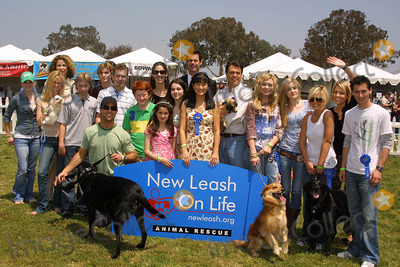 Alex Black Photo - Roma Maffia Sara Paxton Alex Black Suzanne Whang Rich Fields Alyson Michalka Amanda Michalka Kirsten Storms Farah Fath and Justin Berfieldat the Nuts For Mutts Dog Show Pierce College Woodland Hills CA 04-30-06