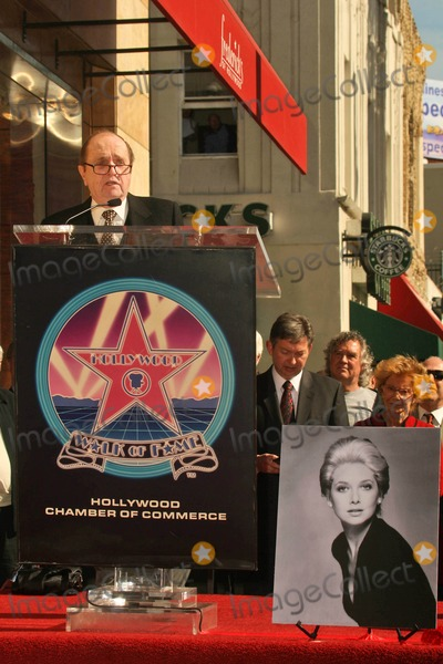 Suzanne Pleshette Photo - Bob Newhart at the Ceremony Posthumously Honoring Suzanne Pleshette with a star on the Hollywood Walk of Fame Hollywood Boulevard Hollywood CA 01-31-08