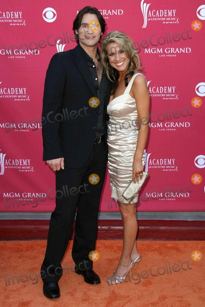 Joe Nichols Photo - Joe Nichols and wife Heather arriving at The 43rd Annual Academy Of Country Music Awards MGM Grand Hotel And Casino Las Vegas NV 05-18-08
