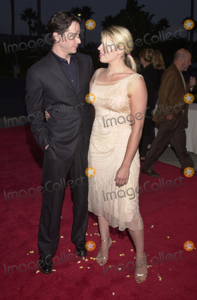 Amanda De Cadenet Photo -  Keanu Reeves and Amanda De Cadenet at the premiere of Paramounts Hardball at Paramount Studios Hollywood 09-10-01