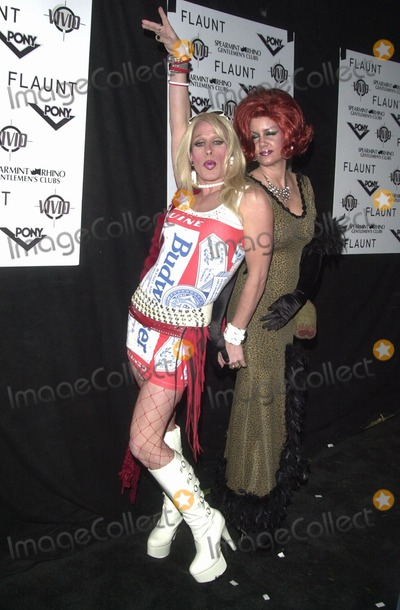 Alexis Arquette Photo - Alexis Arquette at the Flaunt Magazine and Vivid Video Halloween Bash Private Location Los Angeles CA 10-31-02
