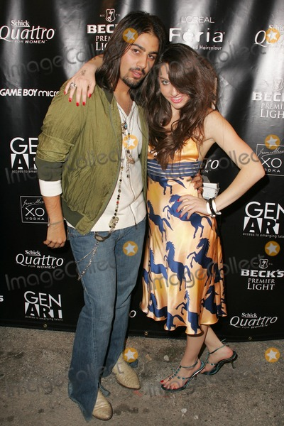 Avo Yermagyan Photo - Avo Yermagyan and Niki Shadrowat Gen Art Fresh Faces in Fashion Barker Hangar Santa Monica CA 10-14-05