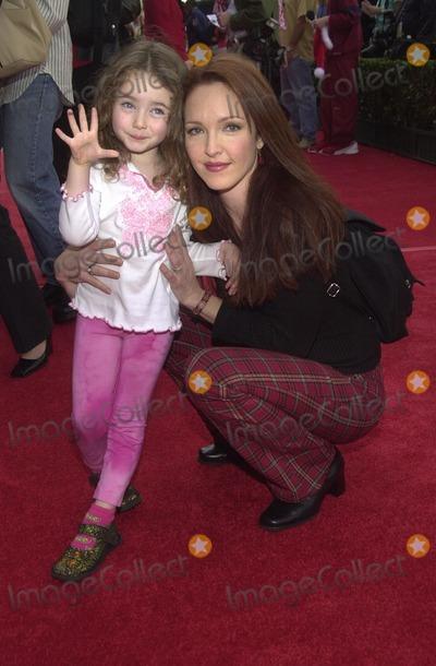 Amy Yasbeck Photo - Amy Yasbeck and daughter Stella at the premiere of Disneys Santa Clause 2 at the El Capitan Theater Hollywood CA 10-27-02