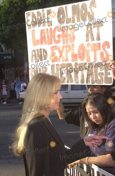 Anthony Quinn Photo - Bo Derek confronts Olmos protesters at the Los Angeles Latino Film Festival awards ceremony and tribute to Anthony Quinn Egyptian Theater Hollywood 07-28-01