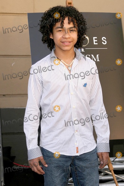 Noah Gray Cabey Photo - Noah Gray-Cabeyat Heroes for Autism Benefit fundraiser Avalon Hollywood CA 04-19-09