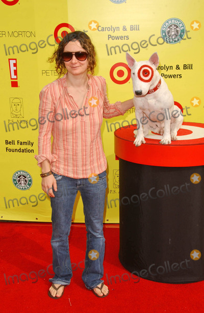 Sara Gilbert Photo - Sara Gilbertat PS Arts 10th Annual Express Yourself Benefit Barker Hanger Santa Monica CA 11-04-07