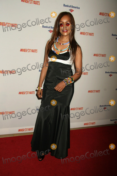 April Sutton Photo - April Suttonat the Inner-City Arts 2010 Imagine Gala Beverly Hilton Hotel  Beverly Hills CA 11-04-10
