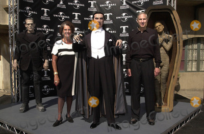 Sara Karloff Photo -  Sara Karloff and Bela Lugosi Jr at the unveiling of Madame Tussauds lifelike wax portraits of Dracula Frankensteins Monster and The Mummy Universal Studios 10-10-01