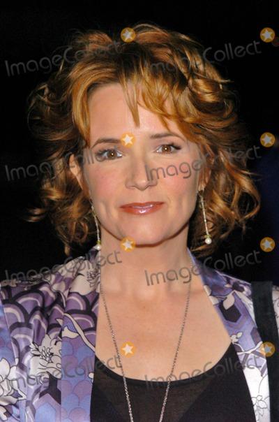 Lea Thompson Photo - Lea Thompson at the Hallmark Channel Hosts Dinner for NCTA Ebell Club Los Angeles CA 01-13-05