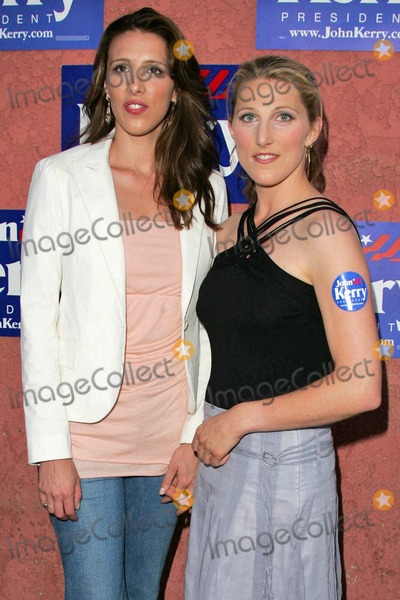 ALEXANDRA  KERRY Photo - Alexandra Kerry and Vanessa Kerry at the All Star Concert Benefit for Presidential Candidate John Kerry at the Henry Fonda Music Box Theatre in Hollywood CA 07-06-04