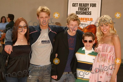 April Matson Photo - April Matson Jake McDorman Johnny Lewis Ryan Pinkson and Sarah Wright at the World Premiere of Garfield The Movie Zanuck Theater  Los Angeles CA 06-06-04
