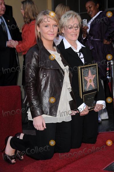 Annie Starke Photo - Annie Starke and Glenn Close at the Walk of Fame Ceremony Honoring Glenn Close Hollywood Boulevard Hollywood CA 01-12-09