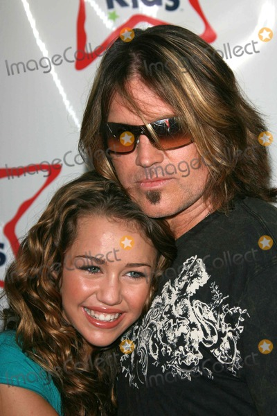 Billy Ray Cyrus Photo - Miley Cyrus and Billy Ray Cyrusat the National Boys and Girls Club Day for Kids Santa Monica Pier Santa Monica CA 09-16-06