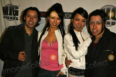 Fantasy Twins Photo - Efram and Carlos Ramirez with Fantasy Twins at the Mercedes Benz Fashion Week Arrivals Smashbox Studios Culver City CA 03-18-05