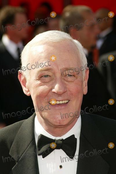 John Mahoney Photo - John Mahoney at the 55th Annual Emmy Awards Arrivals Shrine Auditorium Los Angeles CA 09-21-03