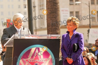 Judge Judy Sheindlin Photo - Judge Jerry Sheindlin and Judge Judy Sheindlinat the Ceremony honoring Judge Judy Sheindlin with a star on the Hollywood Walk of Fame Hollywood Boulevard Hollywood CA 02-14-06