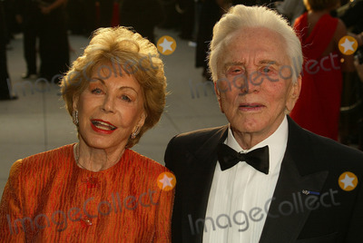 Anne Buydens Photo - Kirk Douglas and Anne Buydens at the 2005 Vanity Fair Oscar Party Mortons West Hollywood CA 02-28-05