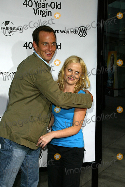 Amy Poehler Photo - Will Arnett and Amy Poehler at the World Premiere of the 40 Year-Old Virgin Arclight Hollywood Hollywood CA 08-11-05