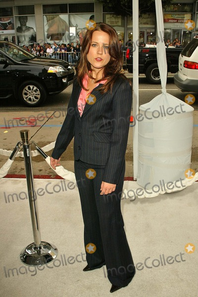 Allison Munn Photo - Allison Munn at the The Polar Express Los Angeles Premiere Graumans Chinese Hollywood CA 11-07-04