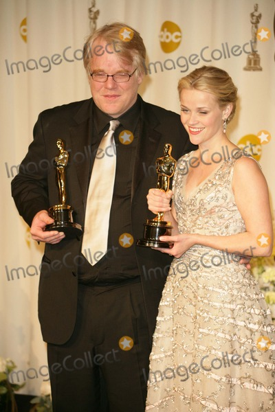 Phillip Seymour Hoffman Photo - Phillip Seymour Hoffman and Reese Witherspoonin the press room at the 78th Annual Academy Awards Kodak Theatre Hollywood CA 03-05-06