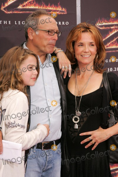 Lea Thompson Photo - Lea Thompson with Howard Deutch and daughterat the premiere of The Legend of Zorro Orpheum Theater Los Angeles CA 10-16-05
