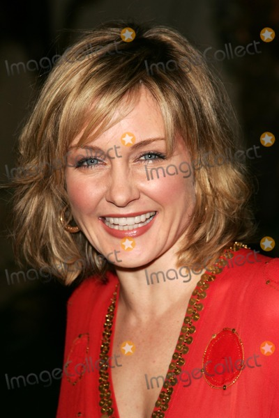 Amy Carlson Photo - Amy Carlsonat the world premiere of Aeon Flux Cinerama Dome Hollywood CA 12-01-05
