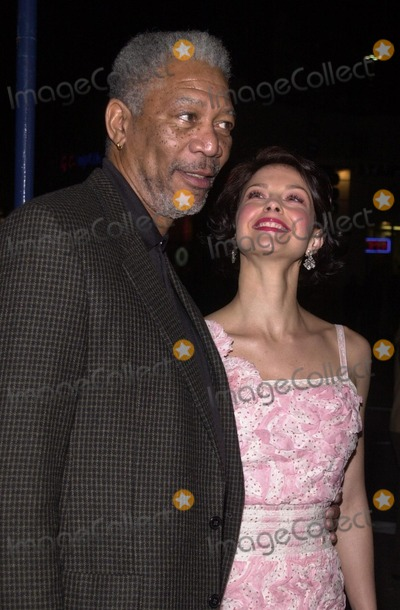 Ashley Judd Photo - Morgan Freeman and Ashley Judd at the premiere of the 20th Century Fox movie High Crimes in Westwood 04-03-02