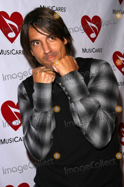 Anthony Kiedis Photo - Anthony Kiedis at the 4th Annual MusiCares MAP Fund Benefit Concert The Music Box Hollywood CA 05-09-08