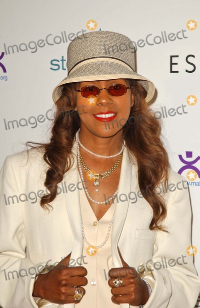 April Sutton Photo - April Marie Suttonat Step Up Womens Network Inspiration Awards sponsored by Escada Beverly Hilton Hotel Beverly Hills CA 04-27-06