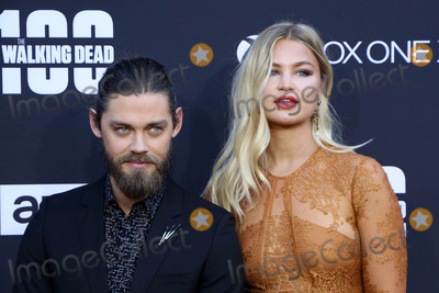 Jennifer Akerman Photo - Tom Payne Jennifer Akermanat The Walking Dead 100th Episode Celebration Greek Theater Los Angeles CA 10-22-17