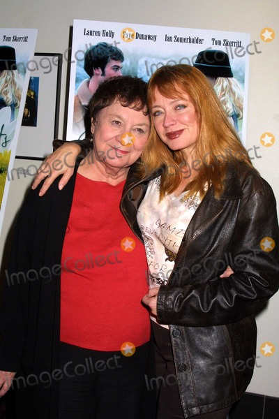 Andrea Evans Photo - Andrea Evans and mother Audrey at the premiere of Changing Hearts at the ArcLight Theaters Hollywood CA 11-04-03