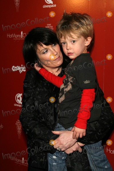 Hot Moms Club Photo - Meredith Brooks and son Troyat the Hot Moms Club Still Thankful Still Giving Charity Event Cinespace Hollywood CA 11-29-07
