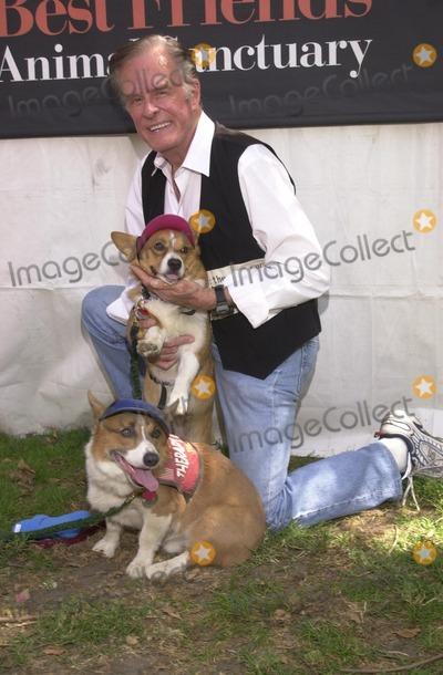 Johnny Carson Photo - Robert Culp at the Best Friends Animal Sanctuary Pet Adoption Festival at Johnny Carson Park Burbank CA 09-14-02