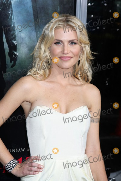Willa Ford Photo - Willa Ford arriving at the Friday the 13th 2009 Premiere at Manns Village Theater in Los Angeles CA on February 9 2009