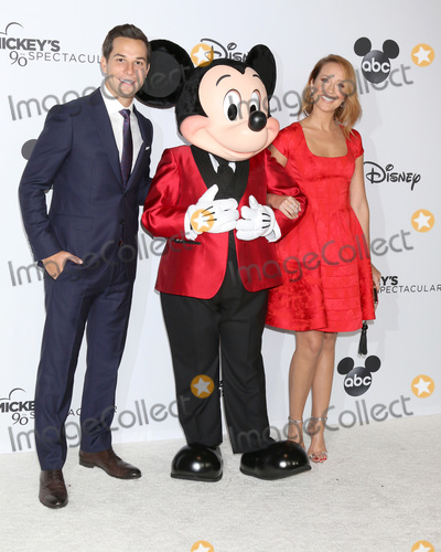 Anna Camp Photo - LOS ANGELES - OCT 6  Skylar Astin Mickey Mouse Anna Camp at the Mickeys 90th Spectacular Taping at the Shrine Auditorium on October 6 2018 in Los Angeles CA