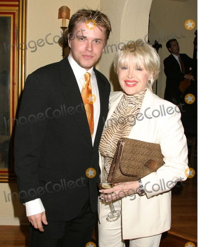 David Tom Photo - David Tom  Gennifer FlowersDaytime for Planned Parenthood BenefitPrivate HomeGlendale CAApril 25 2006