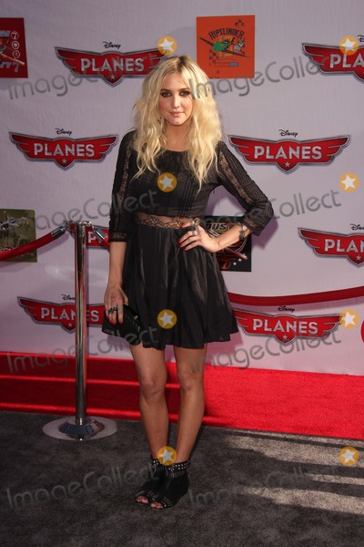 Ashley Simpson Photo - LOS ANGELES - AUG 5  Ashley Simpson arrives at the Planes World Premiere at the El Capitan on August 5 2013 in Los Angeles CA