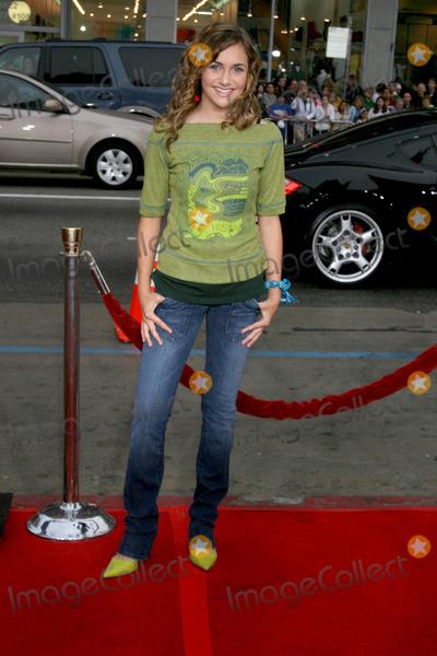Alyson Stoner Photo - Alyson StonerDisturbia PremiereManns Chinese TheaterLos Angeles CAApril 3 2007