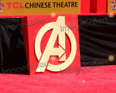 CAST MEMBER Photo - LOS ANGELES - APR 23  Avengers Handprint Atmosphere at the Avengers Cast Members Handprint Ceremony at the TCL Chinese Theater on April 23 2019 in Los Angeles CA