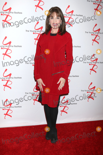 Kate Linder Photo - LOS ANGELES - JAN 17  Kate Linder at the Young and the Restless Celebrates 30 Years at 1 at the CBS Television CIty on January 17 2019 in Los Angeles CA