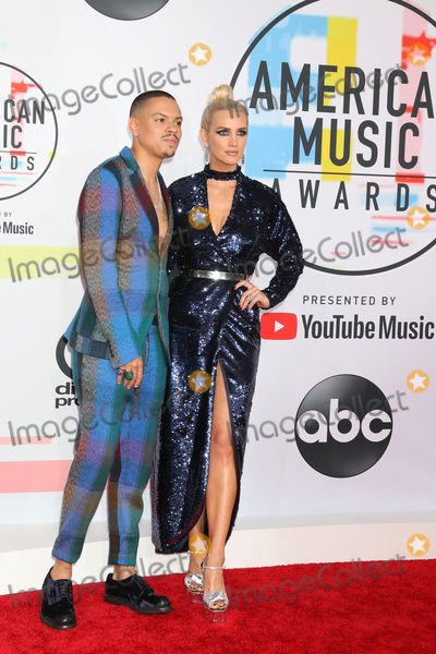 Ashlee Simpson Photo - LOS ANGELES - OCT 9  Evan Ross Ashlee Simpson at the 2018 American Music Awards at the Microsoft Theater on October 9 2018 in Los Angeles CA