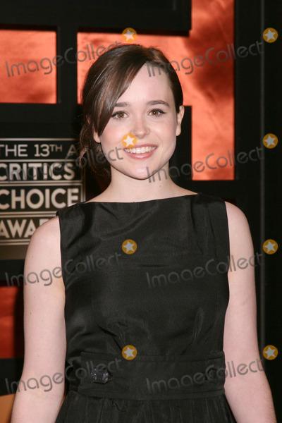 Ellen Page Photo - Ellen Page2008 Television Critics Choice Awards Santa Monica Civic CenterSanta Monica CAJanuary 7 2008