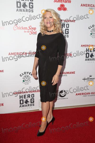 Barbara Niven Photo - LOS ANGELES - SEP 10  Barbara Niven at the 2016 American Humane Hero Dog Awards at the Beverly Hilton Hotel on September 10 2016 in Beverly Hills CA