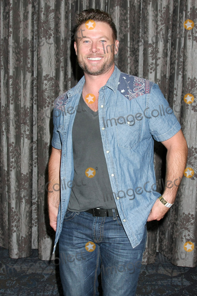 Jacob Young Photo - LOS ANGELES - AUG 20  Jacob Young at the Bold and the Beautiful Fan Event 2017 at the Marriott Burbank Convention Center on August 20 2017 in Burbank CA